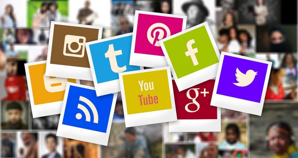 közösségi oldalak